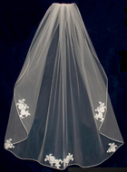 Knee Length Wedding Veil with Beaded Alencon Lace Appliques V6380