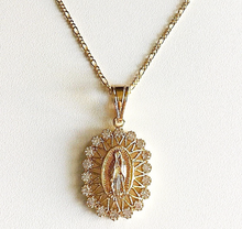 La Luz De Guadalupe Oval Necklace (18K Gold Filled)