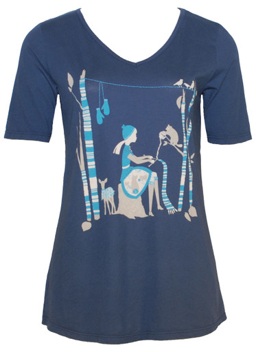 Vintage navy knitting girl forest v-neck tshirt