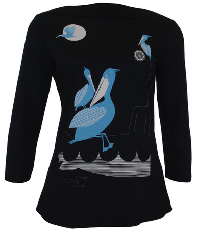 Black blue white pelican ocean print graphic boatneck tee top