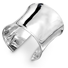 The ultimate contemporary piece for silver lovers.