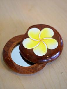 Coconut/Popo Hand Mirror CC06