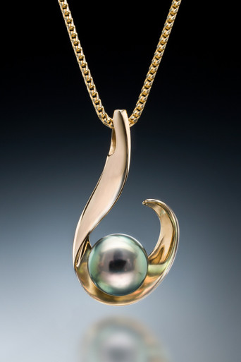 Spirit of a wave tahitian pearl pendant in 18k gold kauai carver image 1 mozeypictures Gallery