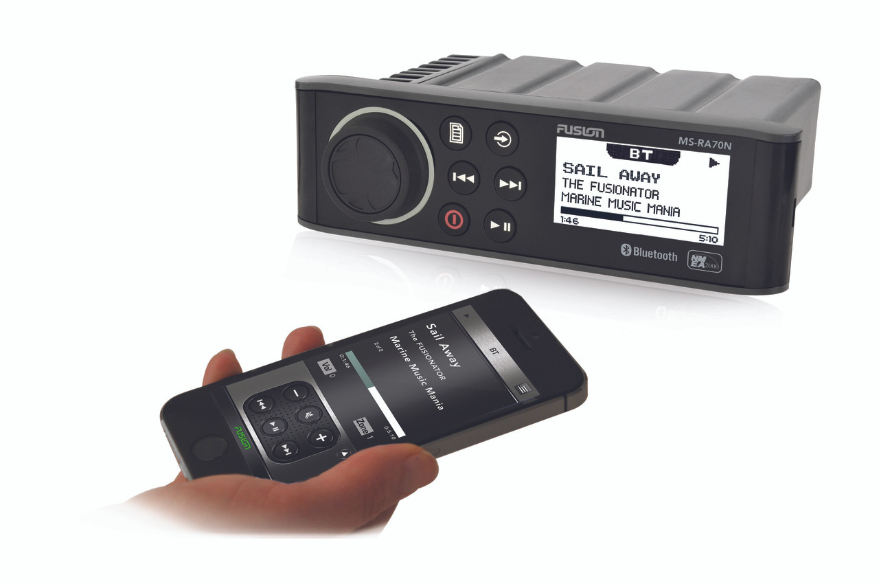 Fusion MS-RA70N Marine Entertainment System with Smartphone
