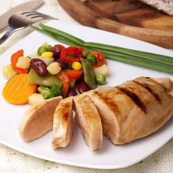 Ranch Grilled Chicken Breast Fillets - These delicately flavored, pre-cooked breasts can be used for entrees, sandwiches or added to salads. As with all our pre-grilled chicken breasts, they're perfect to take to work or school for lunch.