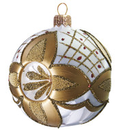 White Ice-lack Ball with Radiant Gold Décor with three indents is an outstanding glass Christmas decoration. This ornament in classic Christmas colors - white and gold, will make your Christmas tree luxurious as never before! Mouth-blown and hand-painted by GLASSOR.