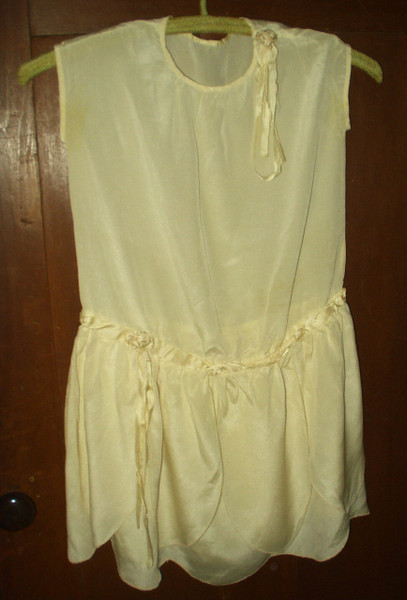 Vintage 1920s 1930s Girl's Silk Rayon Rosettes Party Dress