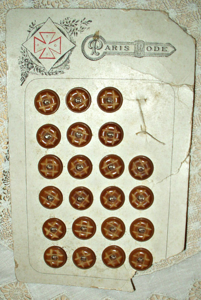 Victorian Edwardian Paris Mode Vegetable Ivory Buttons On Card