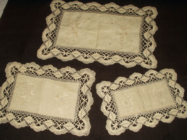 Vintage 1930 Hand Embroidery Bobbin Lace Ecru 3 Piece Doily Set