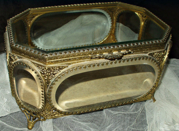 Antique Vintage 8 Sided Beveled Glass Filigree Brass Jewelry Casket Trinket Box