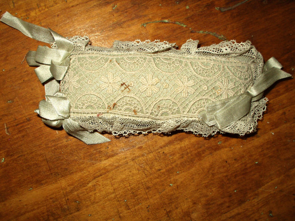 Victorian Lace Ribbon Bows Stickpin Pincushion Blue Silk And Tulle Covering
