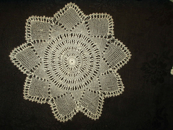 Bebilla Armenian Knotted Table Doily Victorian Edwardian Era