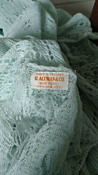 Vintage Wool Knit Baby Shawl Blanket Altman NY Made In England Tag