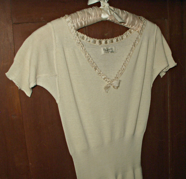 Early 1900 Victorian Edwardian Cream Wool Knitted Winter Chemise Underwear