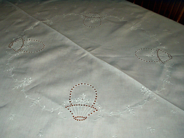 "Vintage 1920 1930 Oval Tablecloth Cutwork Embroidery Flora Motif 74"" Long"