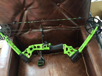 Mission craze youth bow (green) comes with bow,  (4) practice arrows , release wrist band and target. NO shipping customer pick up
