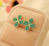 Sale !!!! Fashion Jewelry ---- Four Leaf Clover Stud Earring