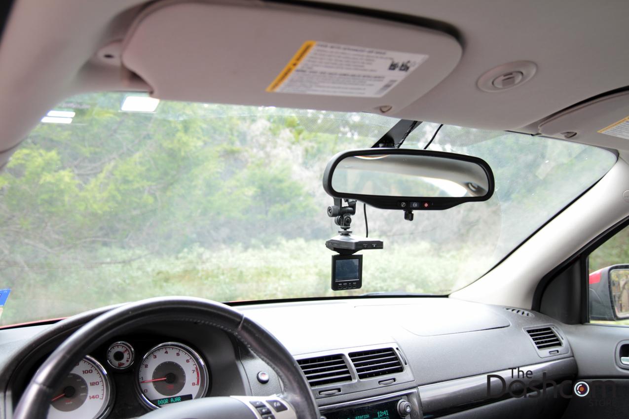 DVR-207GS dashcam installed in car