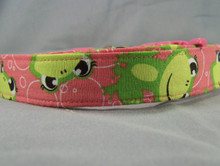 Pink Fun Frogs Dog collar