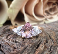 18ct Morganite and Diamond ring