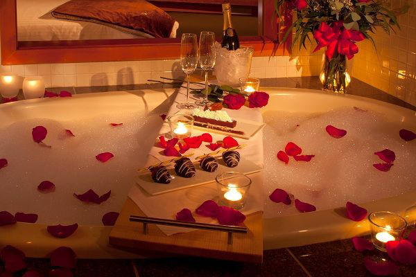romantic bedroom ideas with rose petals. romantic bath with rose petals. (source: http://blog.drummondhouseplans.com/2014/02/10/7-romantic-decorating-ideas -valentines-day) bedroom ideas petals i