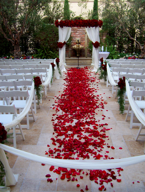 Rose Petal Aisle Styles and How to Calculate Petals Needed