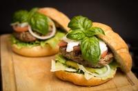 Grill Battle: Hamburgers versus salmon patties