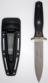 This Boker Applegate And Fairbairnert combat knife is a double edged blade with Flat bottom.