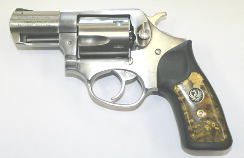 This is a lightly used Ruger SP101 chambered in 357 magnum. Come with grips pictured and factory grips.