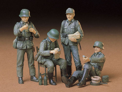 Tamiya 35129 German Soldiers at Rest 1/35 scale kit