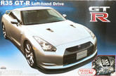 Aoshima 44612 Nissan GT-R R35 (Left hand drive) with engine 1/24 scale kit