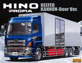 Aoshima 00410 Hino Profia Reefer Kannon-Door Version Truck 1/32 scale kit