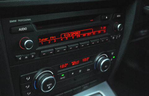 BMW AM/FM Factory Fitted radio upgraded to recieve Digital Radio using JustDRIVE