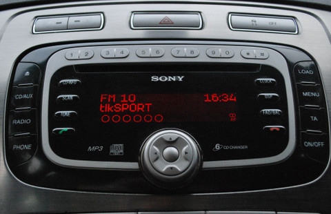 Upgrade ANY Original Equipment AM/FM car radio to receive Digital Radio using JustDRIVE