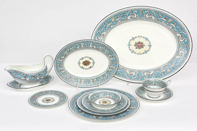 Wedgwood Turquoise Florentine Dinner Service for 12