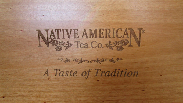 Detail of the top of the tea chest