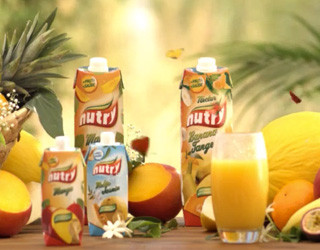 A campaign full of color, nature and great humor. It's joy, it's flavor, it's fruit that looks after us. It's Nutry. With anti-oxidant action and mineral salts, the Nutry is the ideal fruit for the whole family.