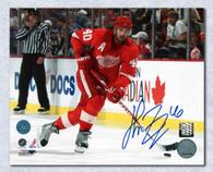 Henrik Zetterberg Detroit Red Wings Autographed Playmaker 16x20 photo