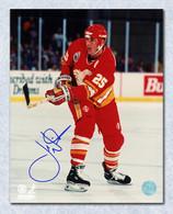 Joe Nieuwendyk Flames Signed Passing 16x20 Photo
