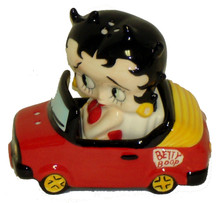 Betty Boop In Her Car Salt & Pepper Set