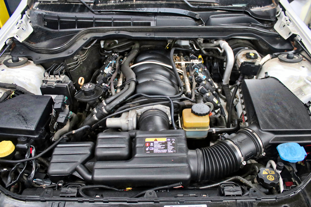 2012 caprice ppv 6 0l l77 motor engine w 6 speed auto trans 63k miles 355hp image 1 image 4 image 4 click to view full size image image 1