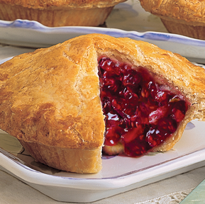 Linn's Fresh-Baked Single-Serving Raspberry-Rhubarb Pie