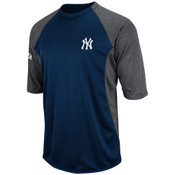 Yankees Therma Base Featherweight Tech Fleece 3/4 Sleeve T-Shirt