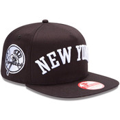 NY Yankees 9Fifty Snapback Hat - Skyline Flipup - front right
