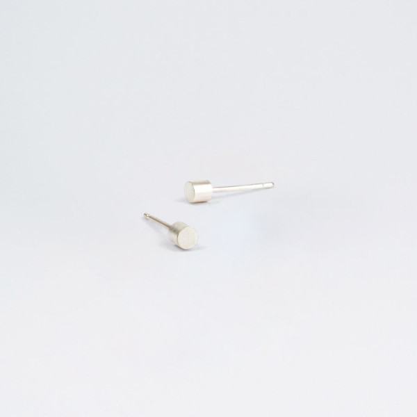 Béton Point Earrings