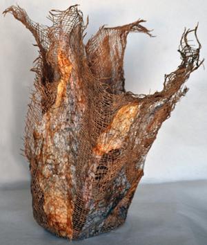 brin-ralo-marble-rib-vase-2-300h.jpg