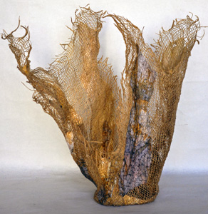 brin-ralo-marble-ribbon-vase-2-300h.jpg