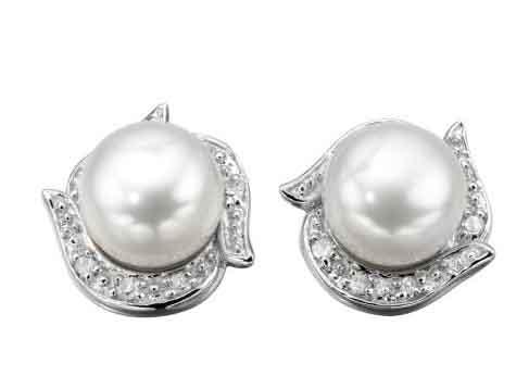 gk-pearl-diamond-stud.jpg