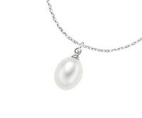 Oval freshwater pearl pendant