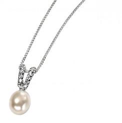 Samantha  pearl bridal pendant
